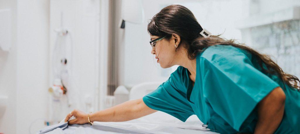 hospital housekeeper jobs